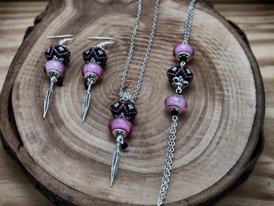 Rózsaszín csillogás gömbös gyöngy nyaklánc karkötő és fülbevaló szett