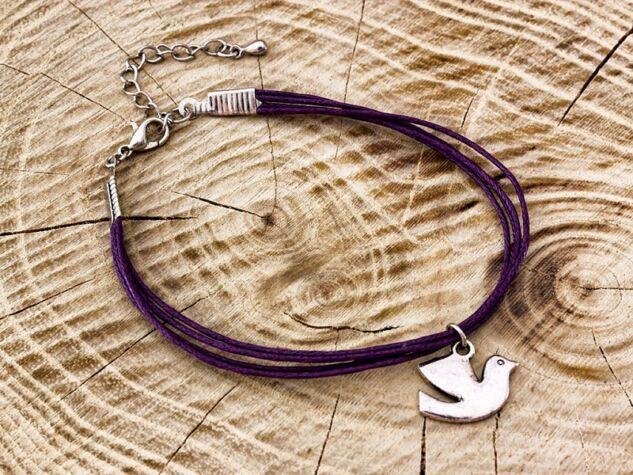 Galambos lila karkötő