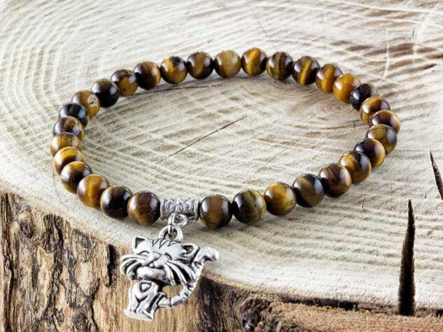 Tigrisszem ásvány karkötő macska medállal