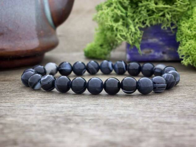 Drámai fekete achát ásvány karkötő