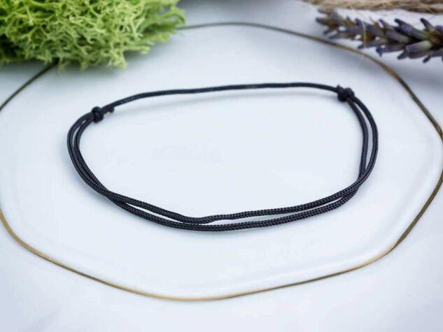 Szerencsehozó fekete microcord karkötő