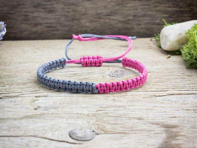 Rózsaszín és szürke feles makramé karkötő