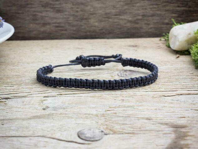 Fekete makramé karkötő