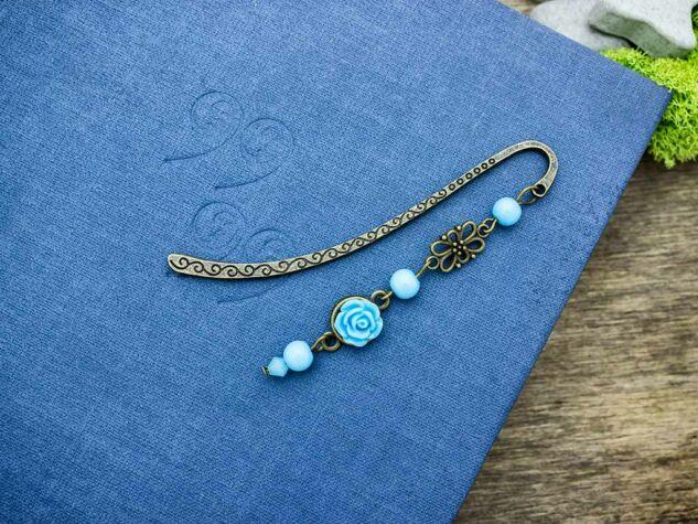 Kék rózsás könyvjelző