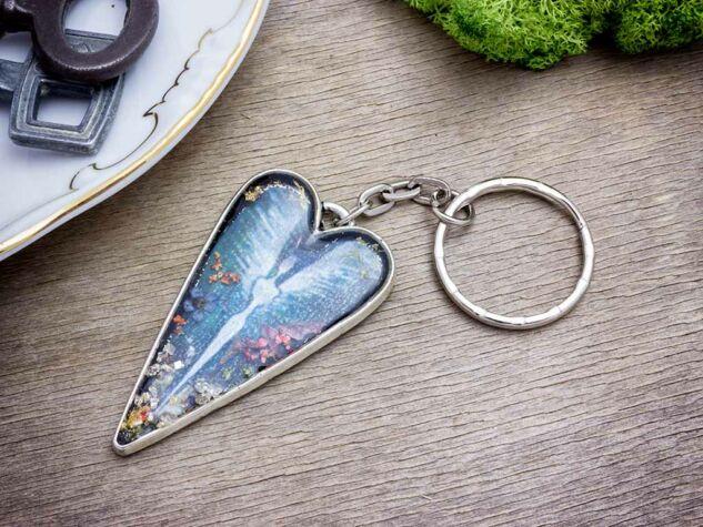Vanda angyala műgyanta kulcstartó
