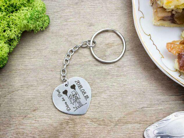 Házasságkötés acél szív medálos kulcstartó