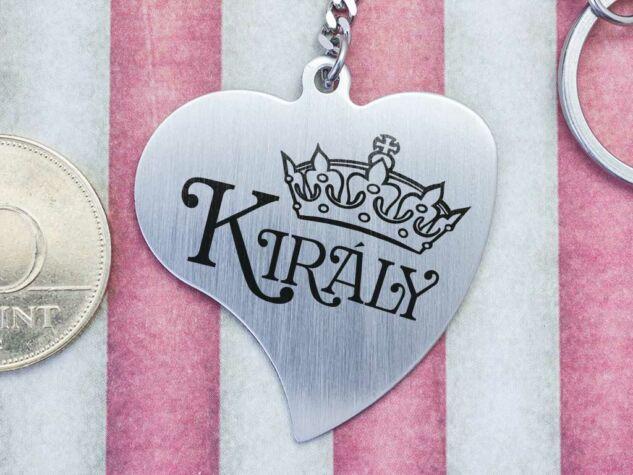Király acél medálos kulcstartó