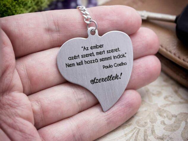 Nem kell hozzá indok acél szív medálos kulcstartó