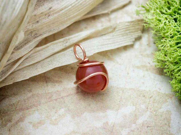 Karneol réz drót medál