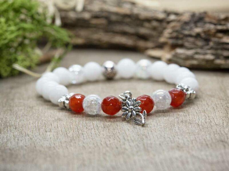 Piros és fehér virágos vegyes ásvány karkötő