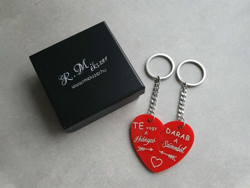 Te vagy a hiányzó plexi szív medálos páros kulcstartó