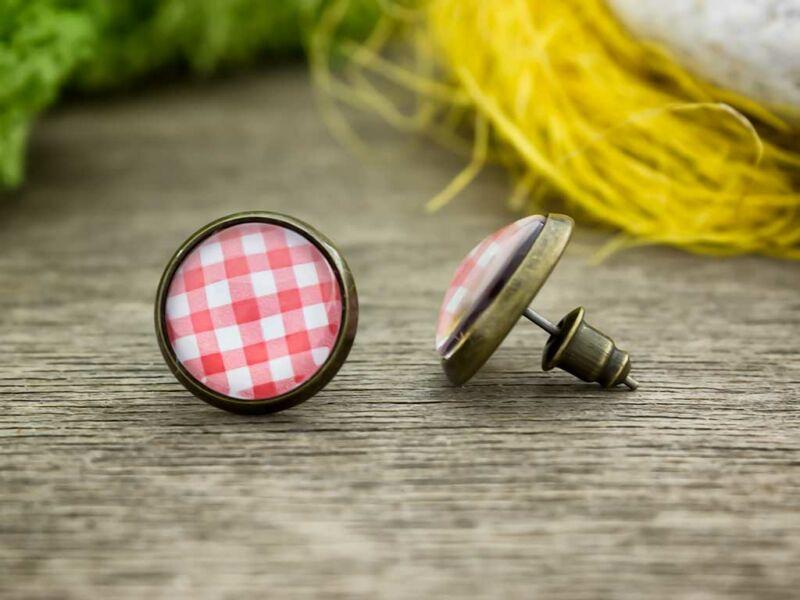 Üveglencsés retro kockás beszúrós fülbevaló