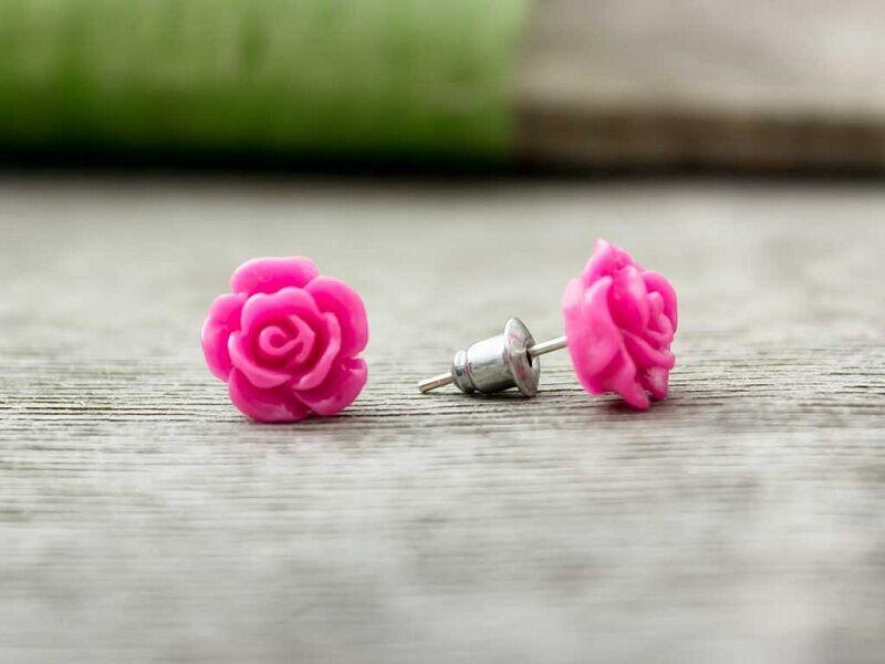Magenta színű rózsa fülbevaló