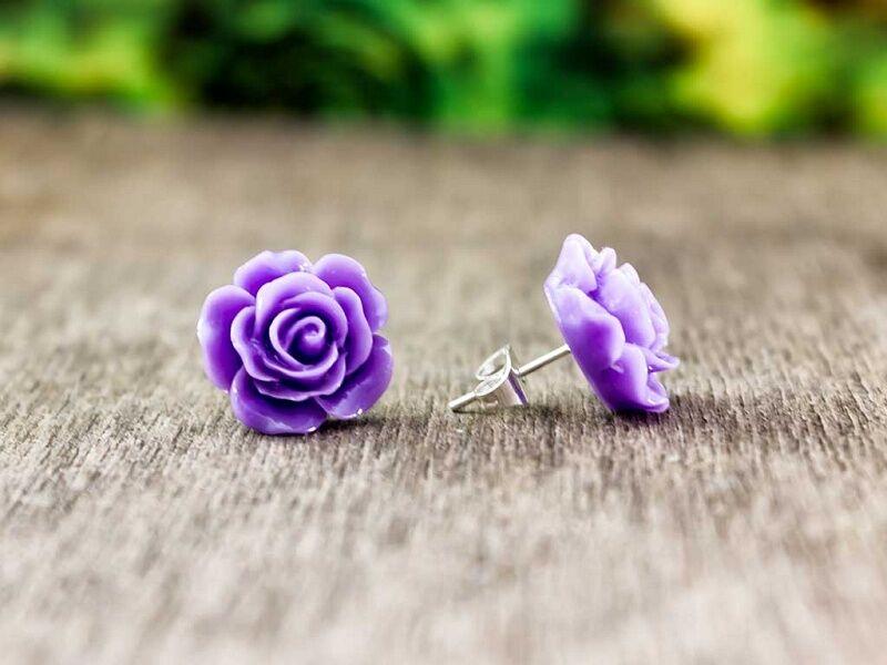 Nagy lila rózsa fülbevaló