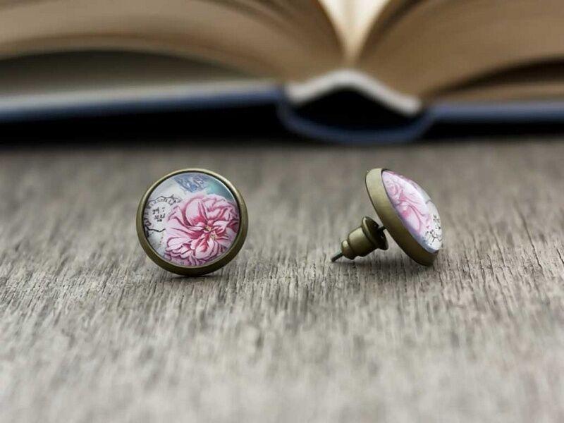 Üveglencsés szerelem virág beszúrós fülbevaló