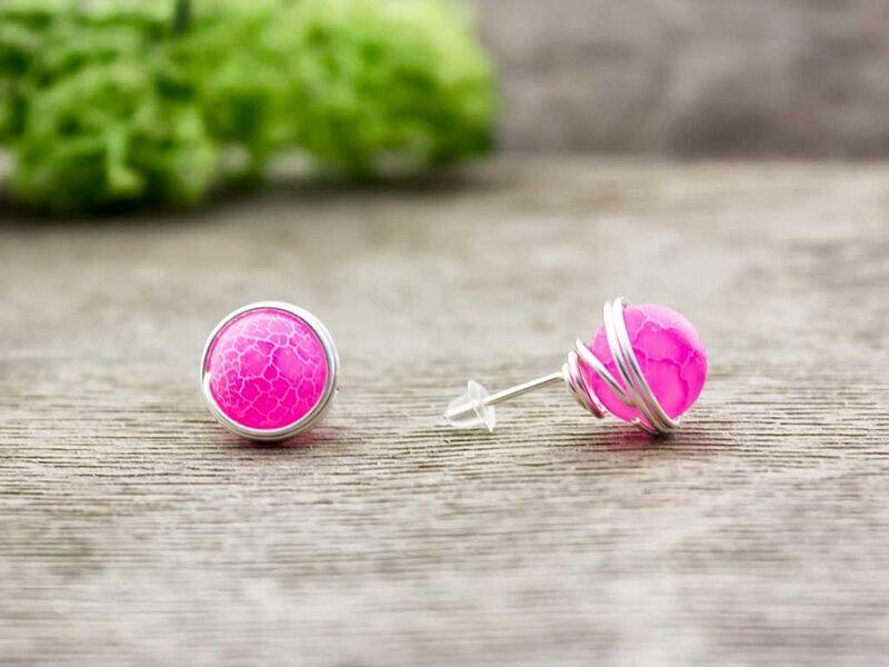 Rózsaszín achát beszúrós drót fülbevaló
