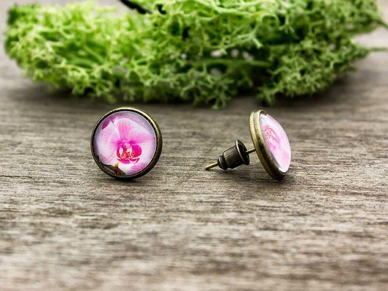 Üveglencsés rózsaszín orchidea beszúrós fülbevaló