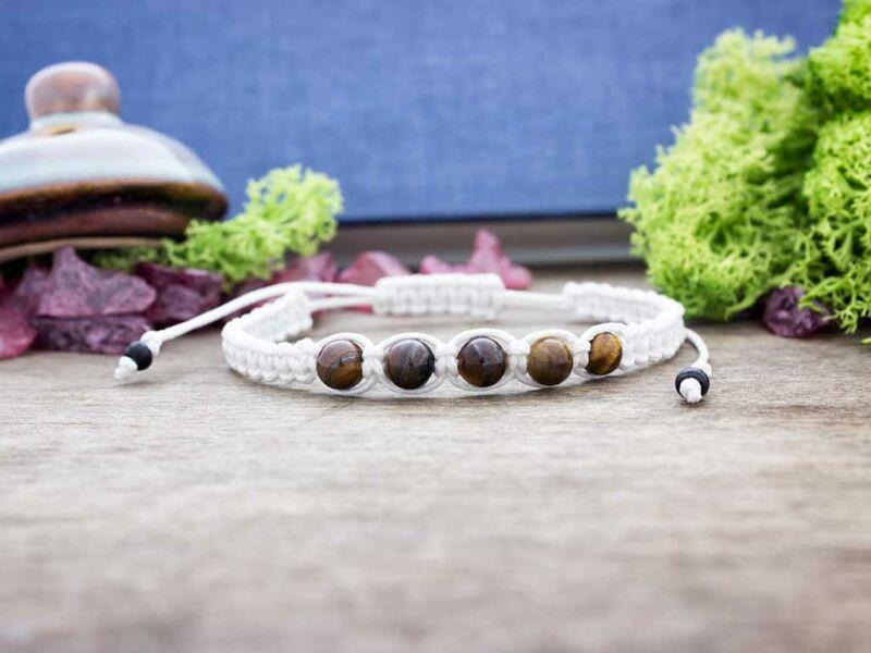 Makramé karkötő tigrisszem ásvány kövekkel
