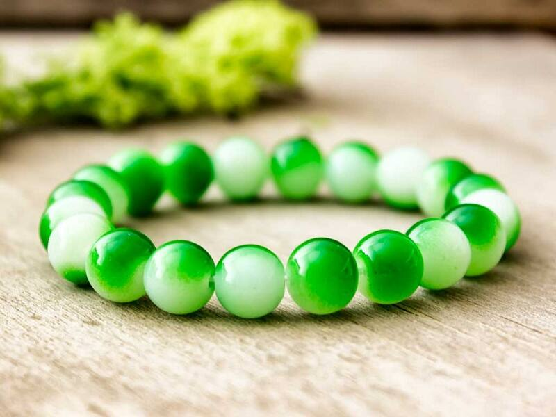 Üveg gyöngyös zöldike karkötő