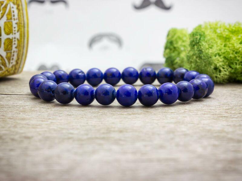 Színezett lápisz lazuli ásvány karkötő