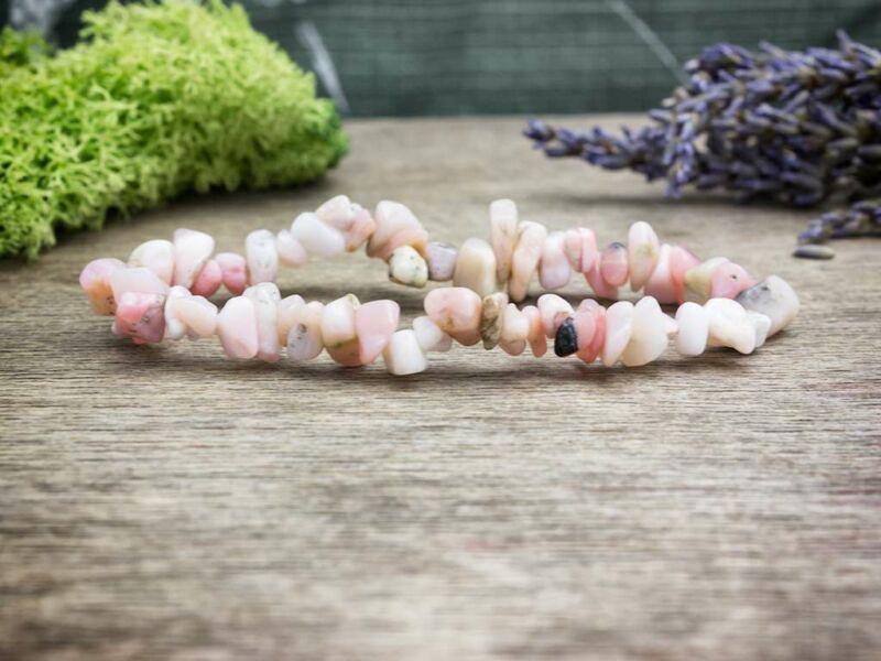 Érintés pink opál szemcse ásvány karkötő