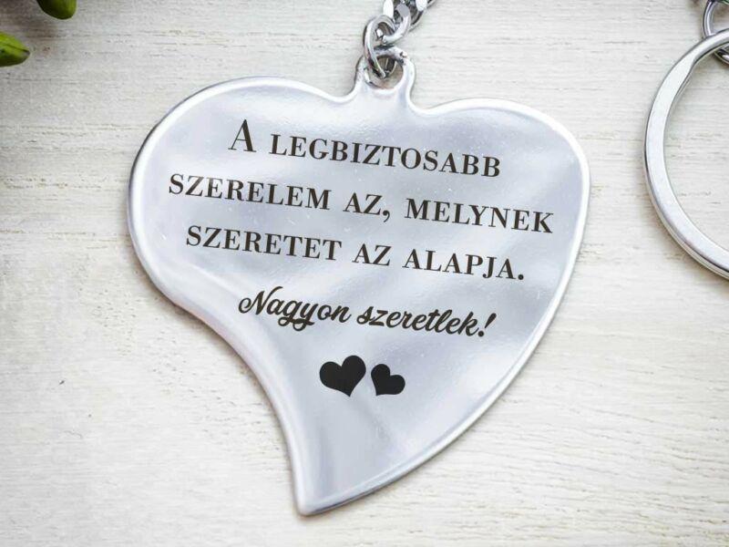 Nagyon szeretlek acél szív medálos kulcstartó