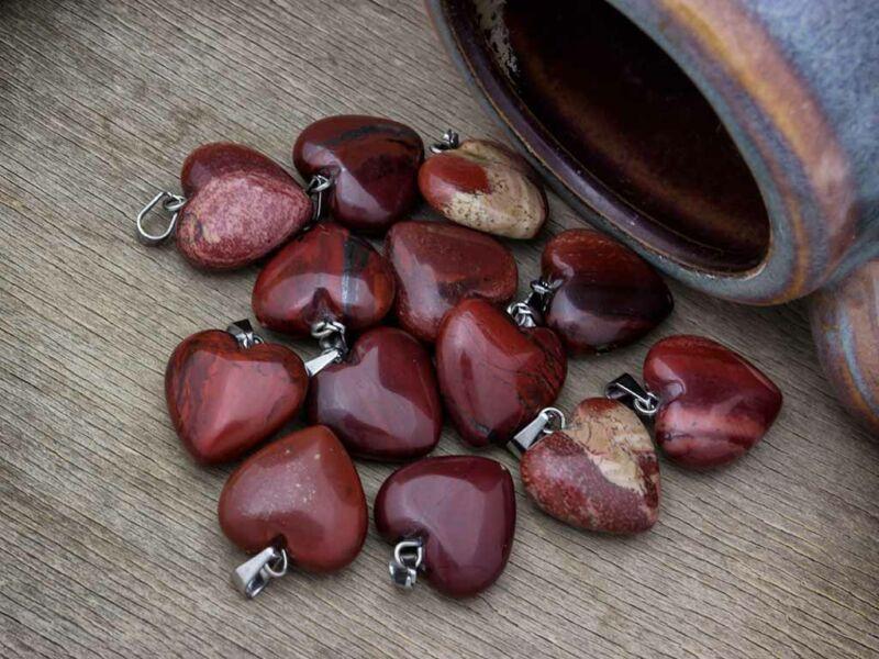 Vörös jáspis szív ásvány medál