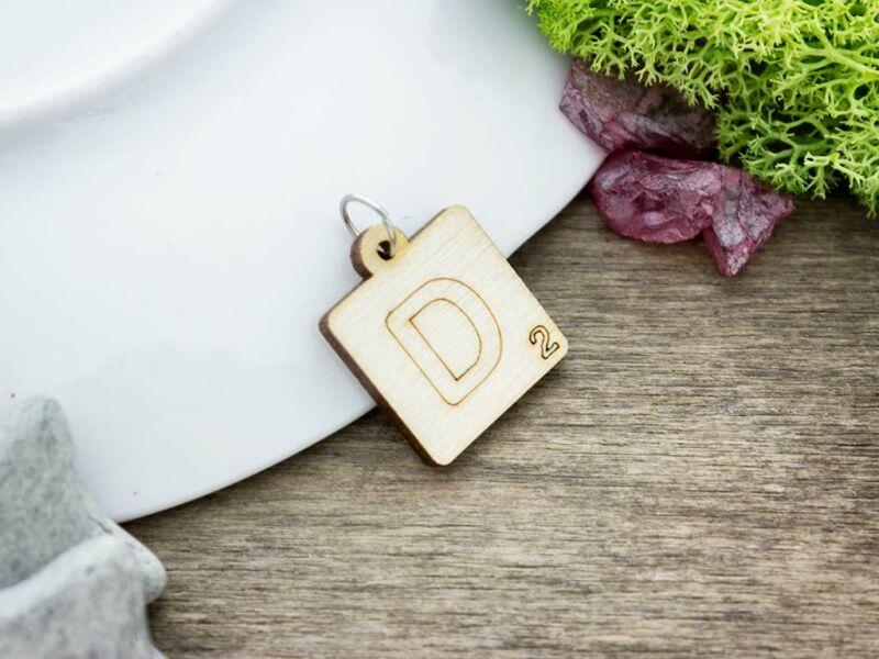 Scrabble D betű lézervágott nyírfa medál