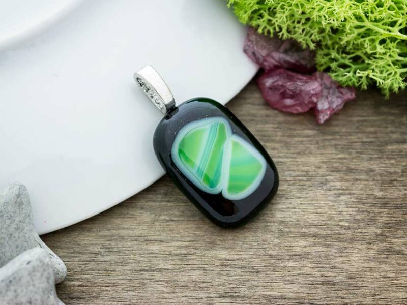 Zöld mélység üveg medál