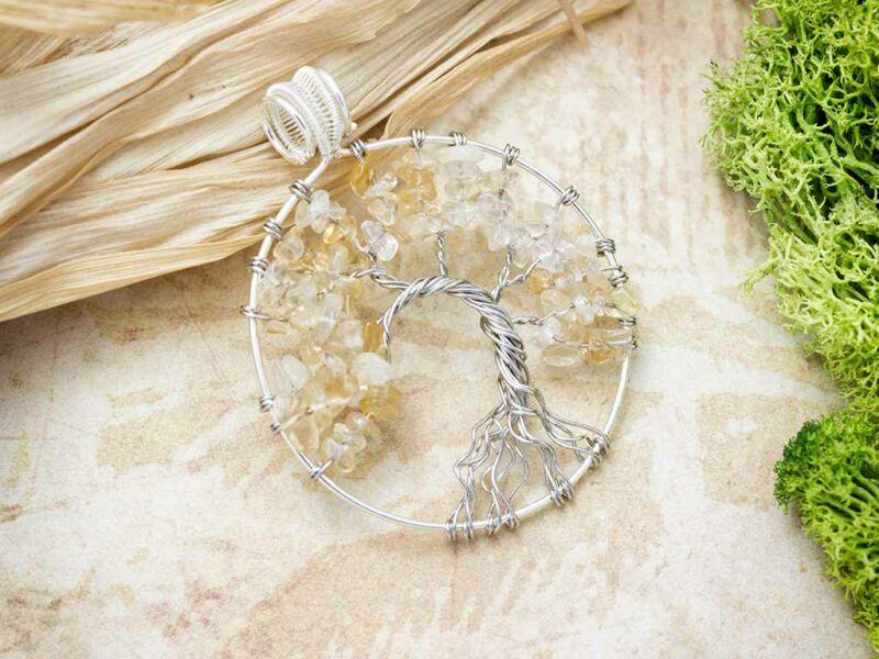 Körbe foglalt életfa citrin ezüst színű drót medál