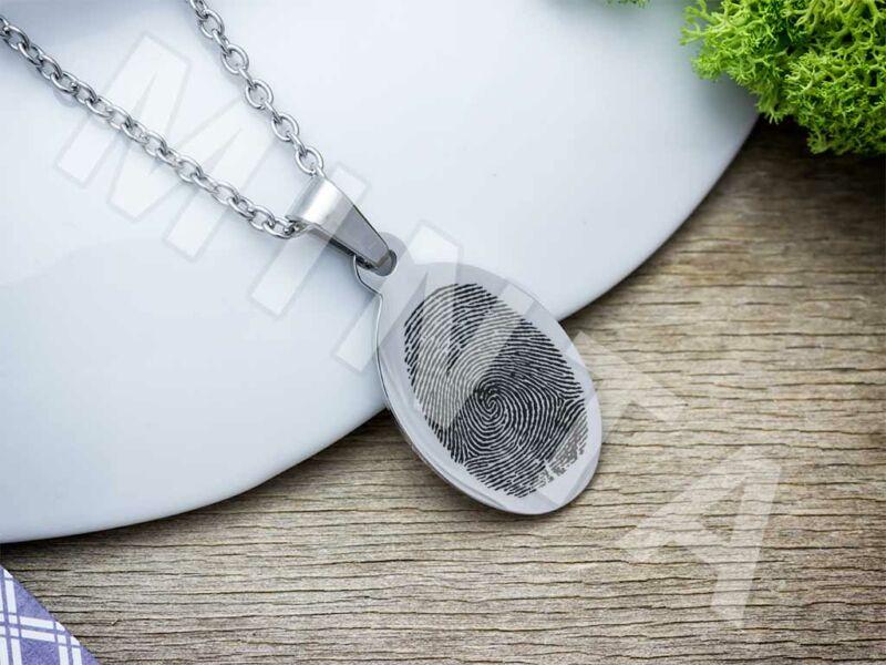 Ujjlenyomatos acél ovális medál nyaklánccal