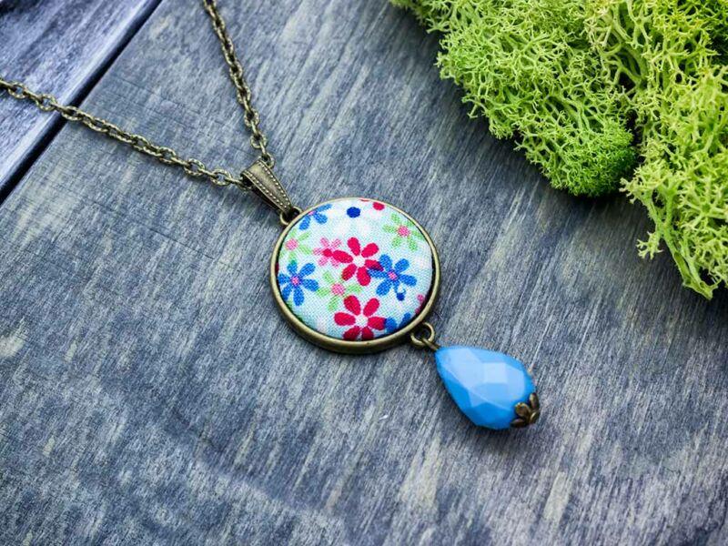 Mezei vadvirágok kék textil gombos nyaklánc