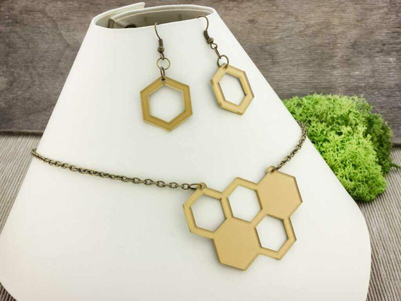 Méhkirálynő arany plexi szett